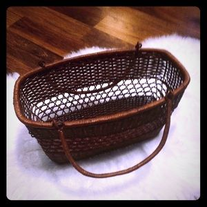 🦋2/$10 3/$15 4/$18 5/$20 Vintage Wicker Bag